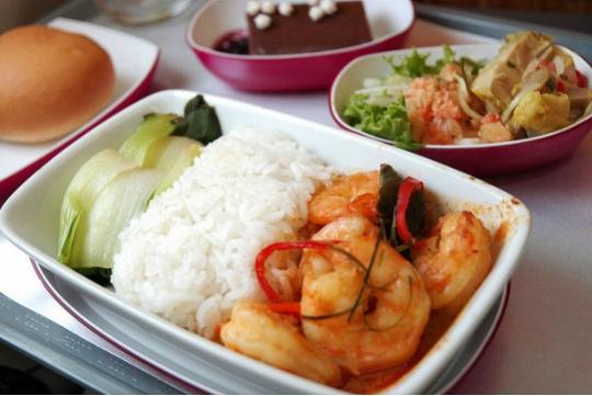 thai airways halal food